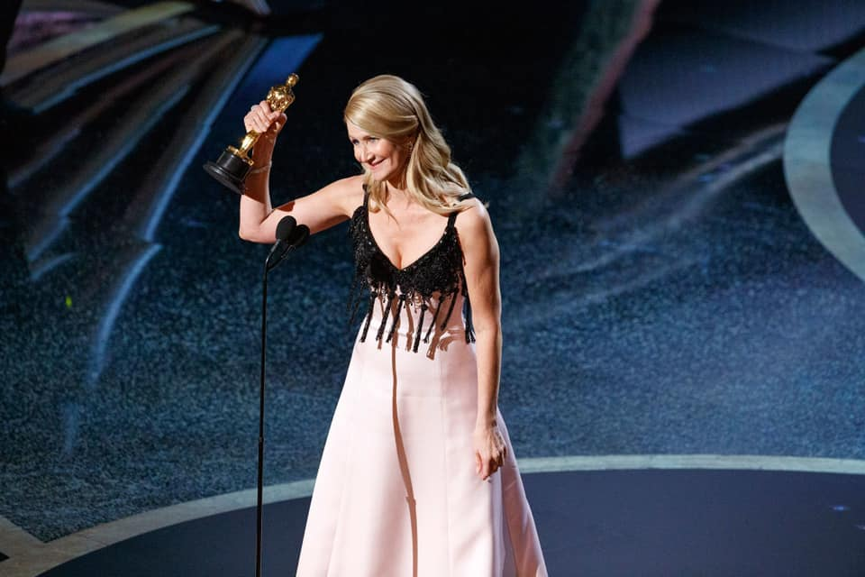 laura dern receiving an award